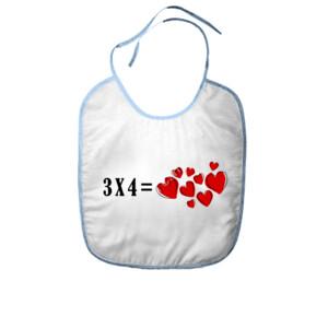 Babero 3x4 igual a corazones