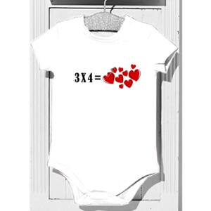 Body diseño 3x4 igual a corazones